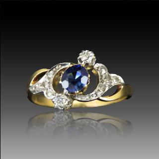Bague vers 1900 en or jaune 18k avec saphir fin et diamants .Taille 58