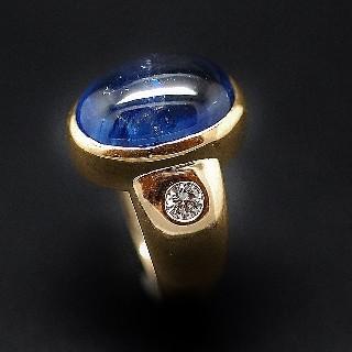 Bague Or Jaune 18K, Saphir Ceylan Non Chauffé cabochon de 18,28 Cts + Diamants