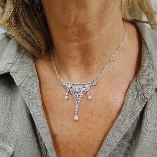 Bracelet Art Déco en Platine avec  9.0 Cts de Diamants