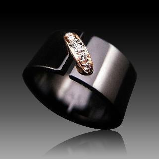 """Bague Chaumet """"Liens"""" en céramique noire or rose 18k diamants. taille 56"""