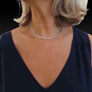 """Collier """"Rivière"""" ligne Diamants brillants 7,30 Cts G-VS en Or gris 18k. 42 cm"""