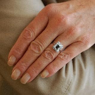 Bague en Platine Art Déco avec saphir fins  et diamants .Taille 51-52