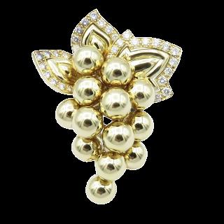 Broche Boucheron Or jaune 18 Cts Vers 1965 avec Diamants.